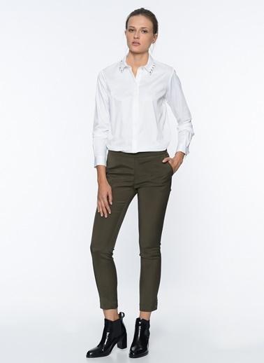 Kuşgözü Yaka Detaylı Slim Fit Gömlek-Que
